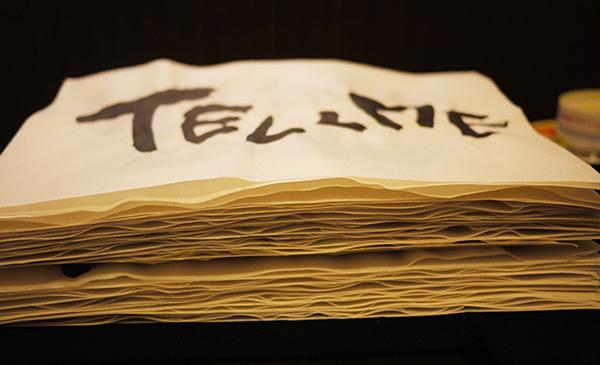 書道でTELL MEの歌詞を書いた半紙