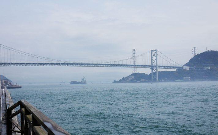 唐戸市場からの関門橋